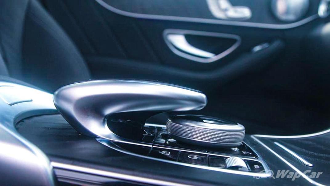 2018 Mercedes-Benz C-Class C 300 AMG Line Interior 024