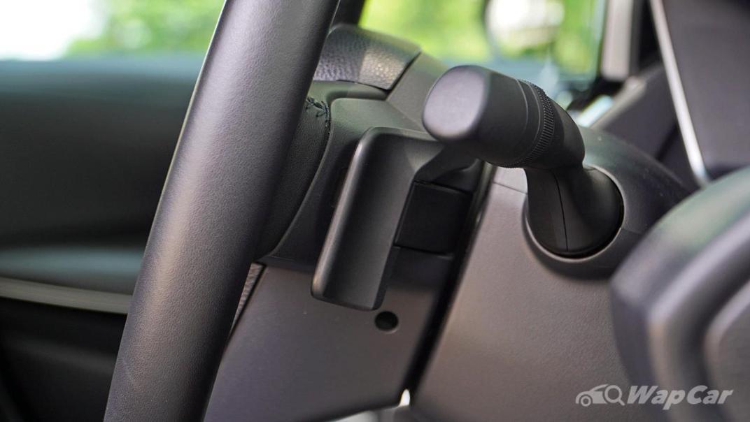 2020 Toyota Corolla Altis 1.8E Interior 004