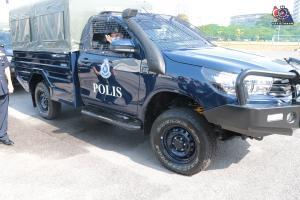 Toyota Hilux jadi pilihan terbaru kontinjen Polis Johor, ganti Land Rover lama!