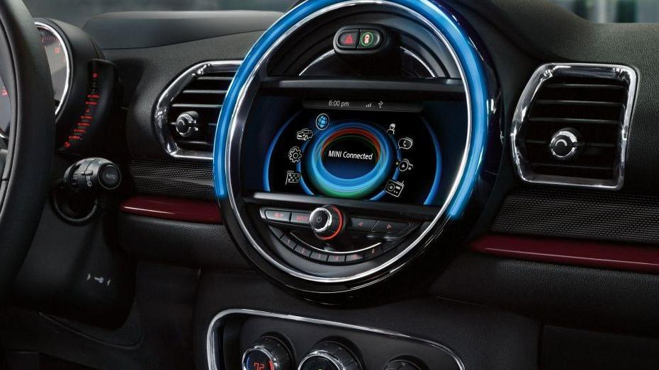 MINI Clubman (2018) Interior 002