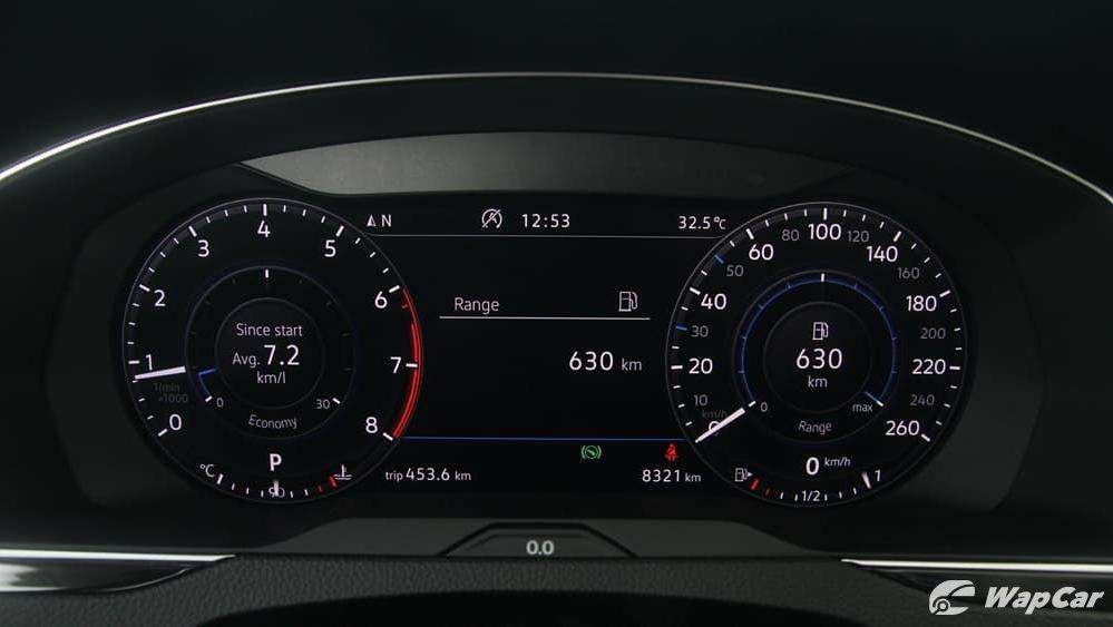 2018 Volkswagen Passat 2.0 TSI Highline Interior 015