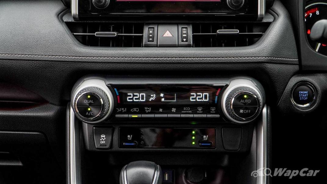 2020 Toyota RAV4 2.5L Interior 135