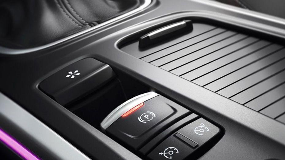 Renault Megane (2018) Interior 007