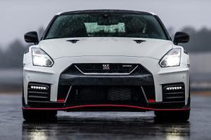 Nissan GT-R tries to impress Proton Wira, fails miserably