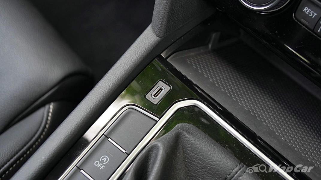 2020 Volkswagen Passat 2.0TSI Elegance Interior 033