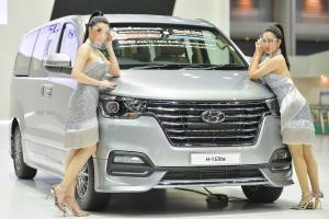 Hyundai H-1 still leads Thailand's 11-seater MPV market, but the 2021 Kia Carnival is catching up