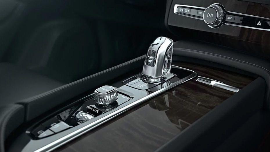 Volvo XC90 (2018) Interior 008
