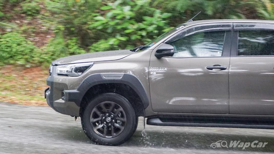2020 Toyota Hilux Double Cab 2.8 Rogue AT 4X4 Exterior 101
