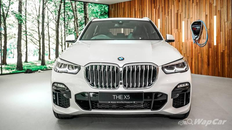 Germans moving to hybrids - BMW X5 xDrive45e outsells diesels 02