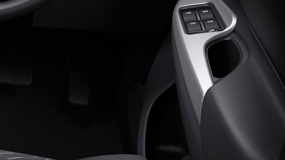 Toyota Avanza (2019) Interior 009