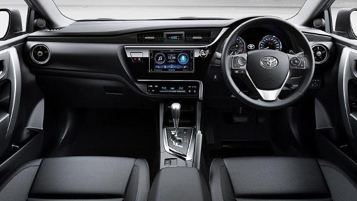 Toyota Corolla Altis (2018) Interior 001