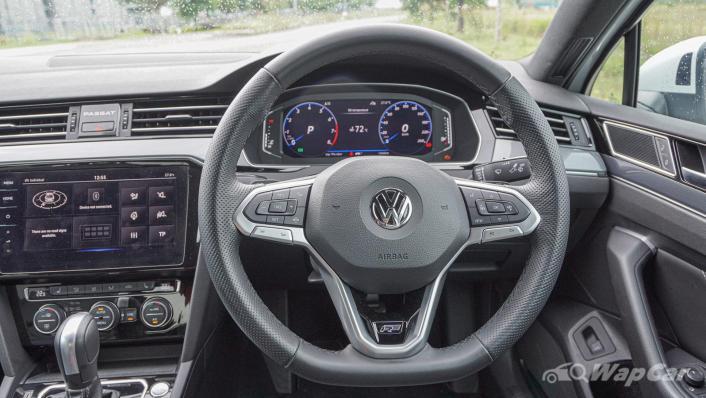 2020 Volkswagen Passat 2.0TSI R-Line Interior 002