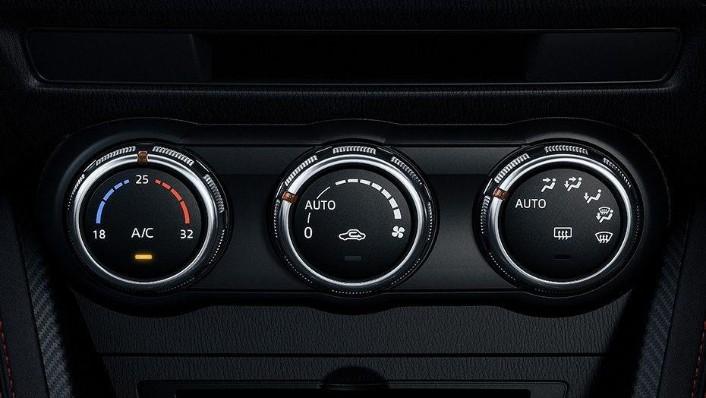 Mazda 2 Hatchback (2018) Interior 004