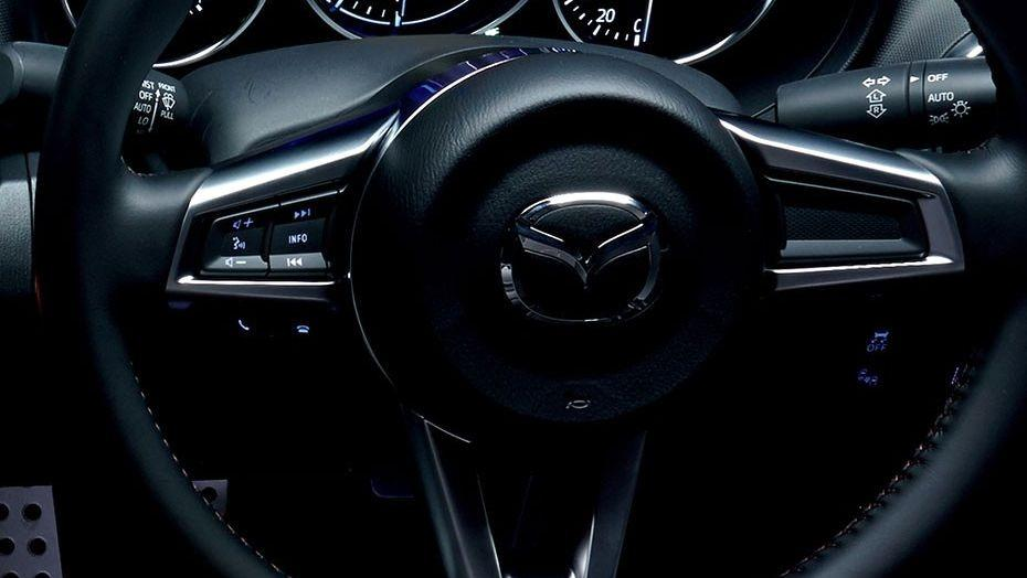 Mazda MX-5 (2018) Interior 009