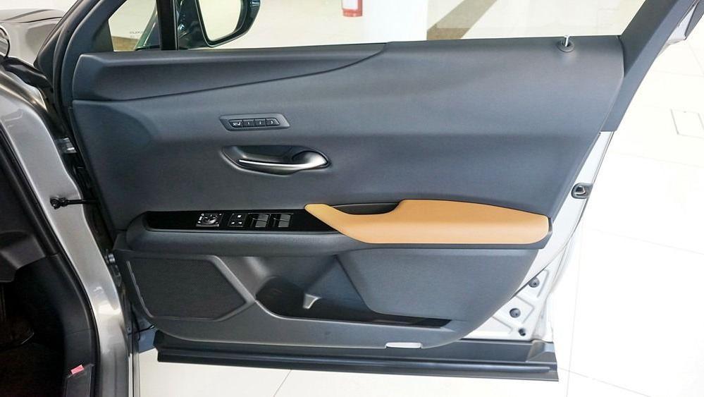 2020 Lexus UX 200 Luxury Interior 039