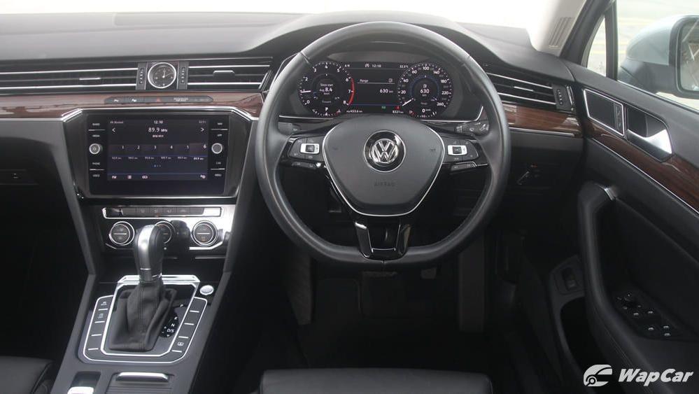 2018 Volkswagen Passat 2.0 TSI Highline Interior 006