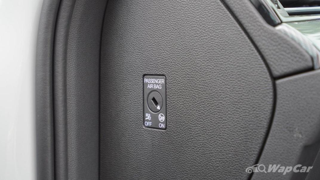 2020 Volkswagen Passat 2.0TSI R-Line Interior 021