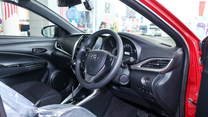 2019 Toyota Yaris 1.5E Interior 002