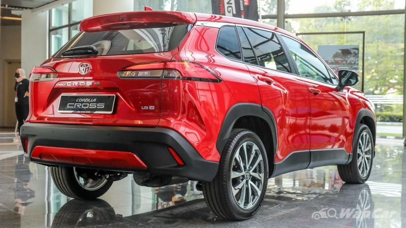 Tanpa cukai, Toyota Corolla Cross 2021 jauh lebih murah dari Proton X70 'high spec'! 02