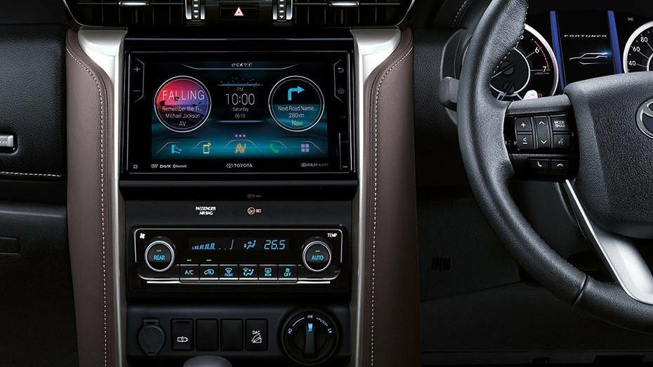 Toyota Fortuner (2018) Interior 003