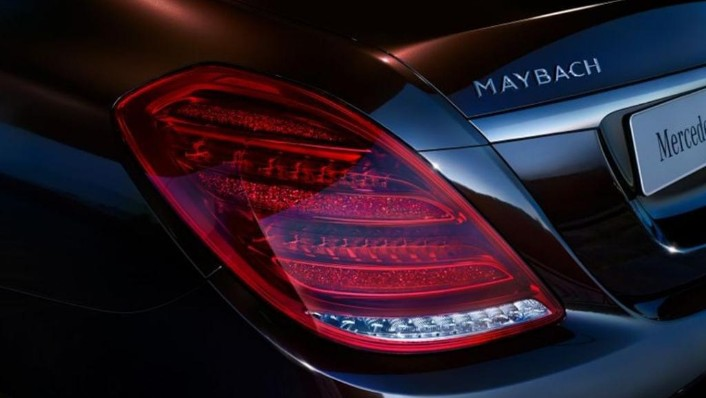 Mercedes-Benz Maybach S-Class (2018) Exterior 008