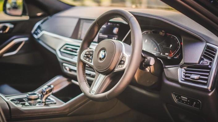 2020 BMW X6 xDrive40i M Sport Interior 002