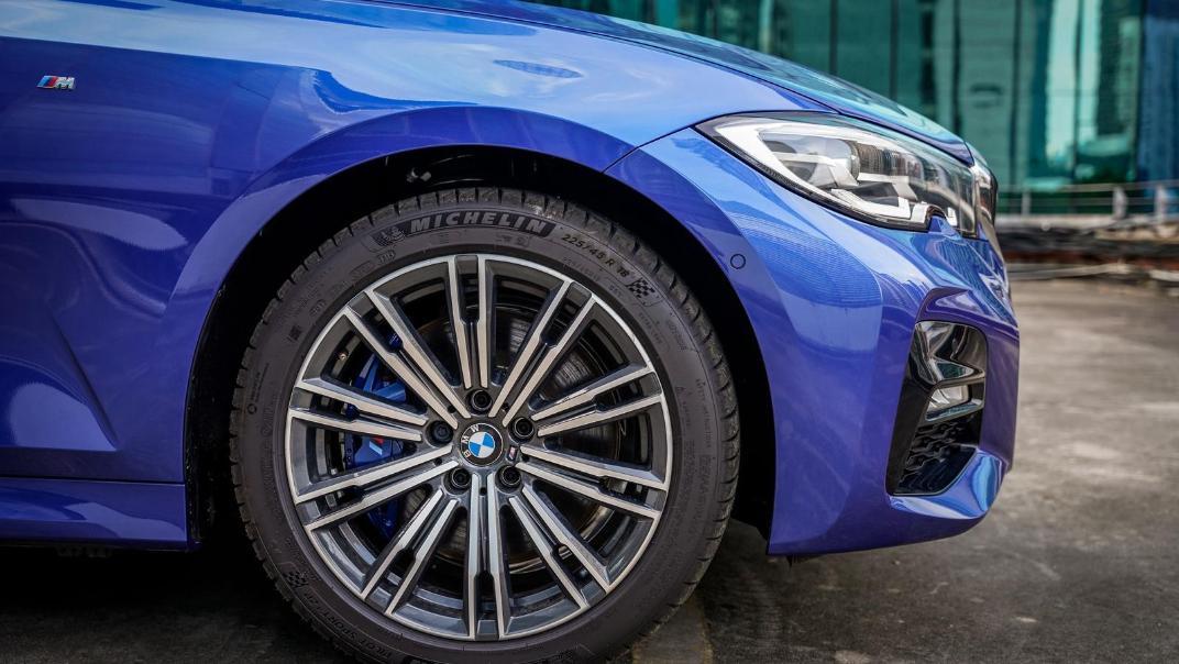 2020 BMW 3 Series 330e Exterior 016