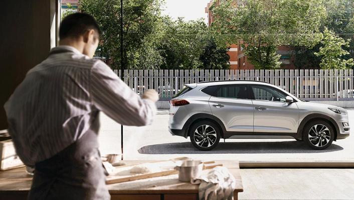Hyundai Tucson (2018) Exterior 005