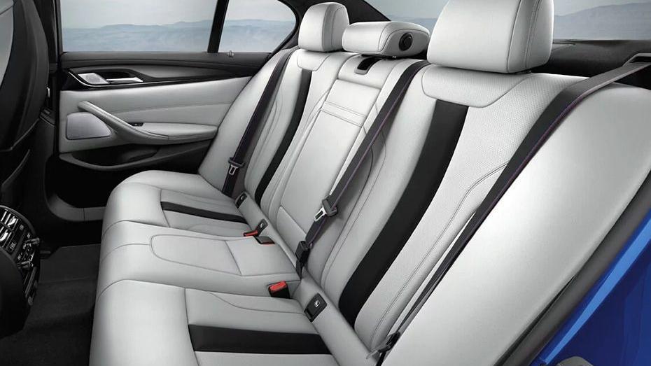 BMW M5 (2019) Interior 013
