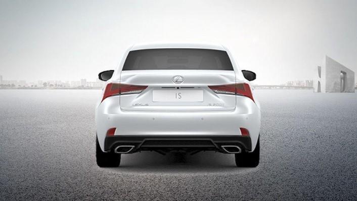Lexus IS (2018) Exterior 007