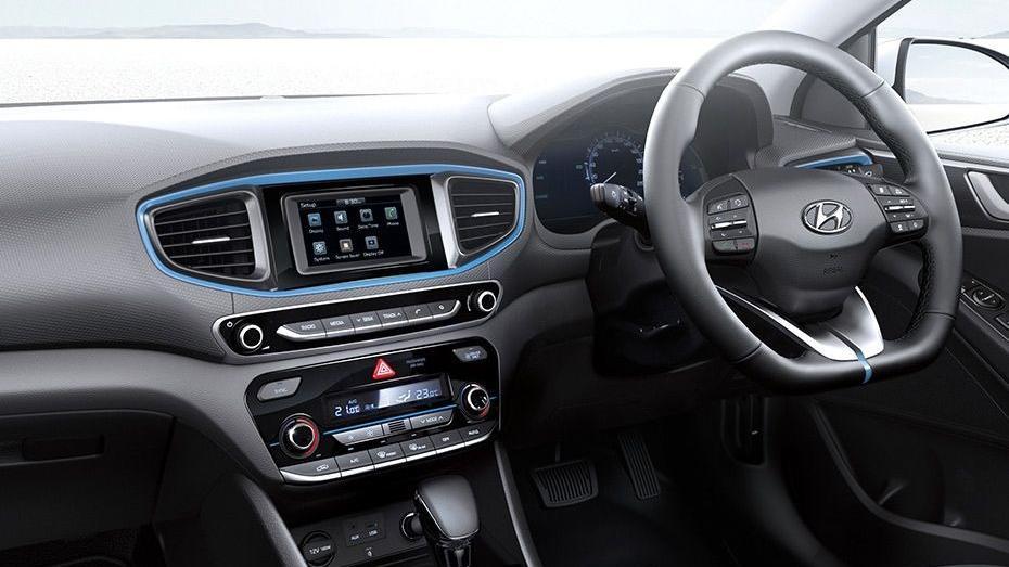 Hyundai Ioniq (2018) Interior 002