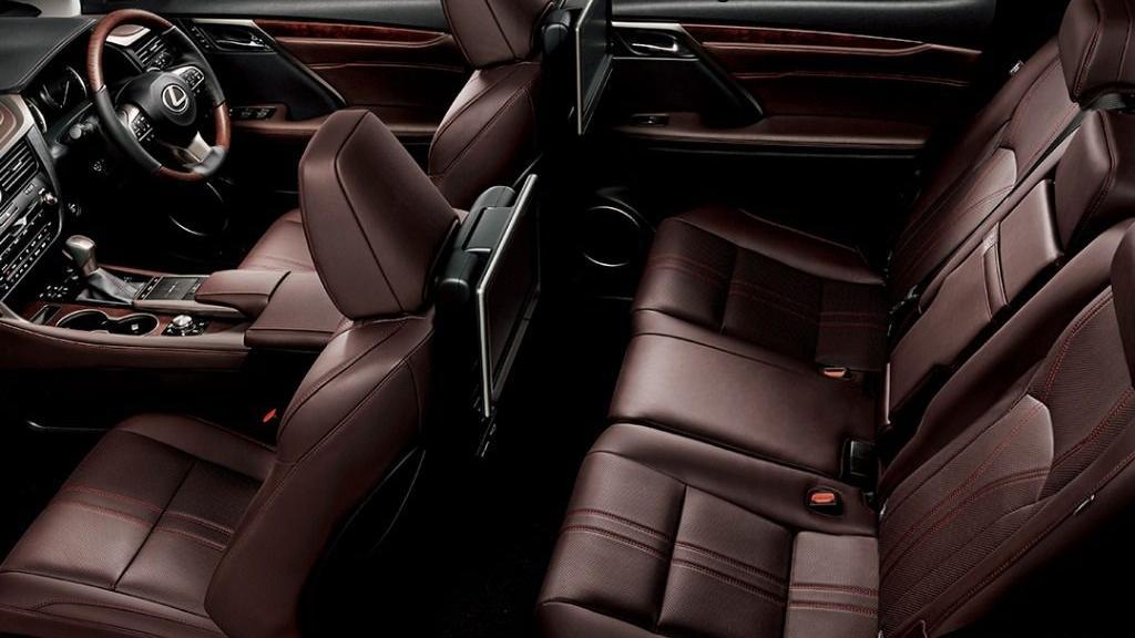 Lexus RX (2019) Interior 001