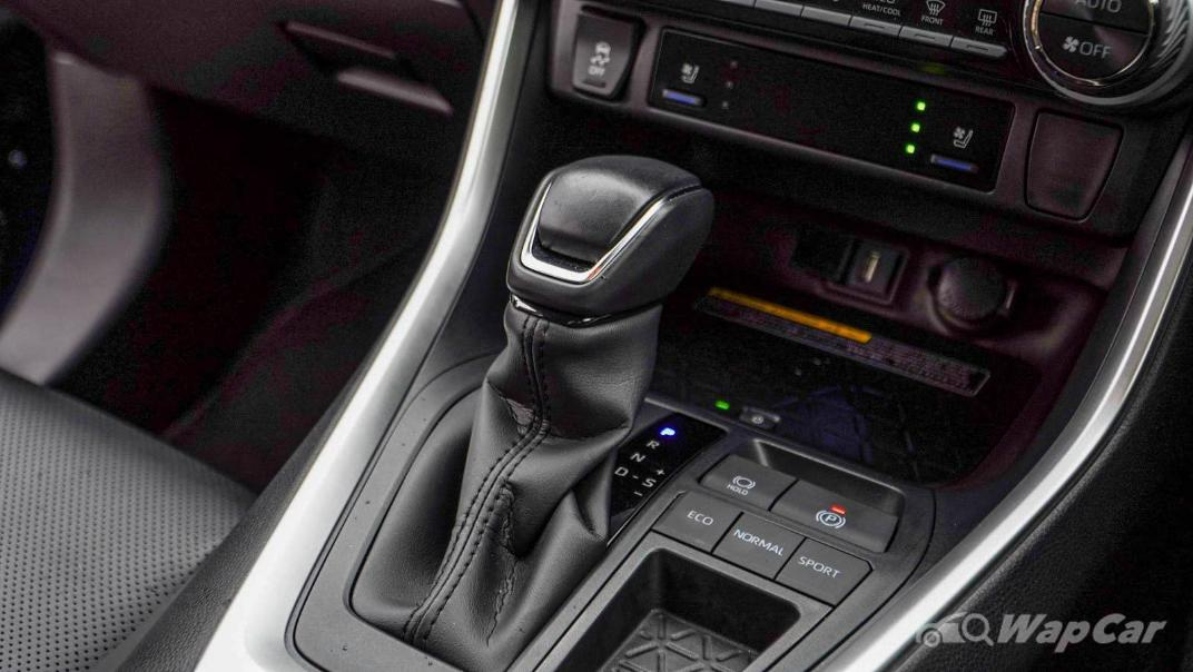 2020 Toyota RAV4 2.5L Interior 136