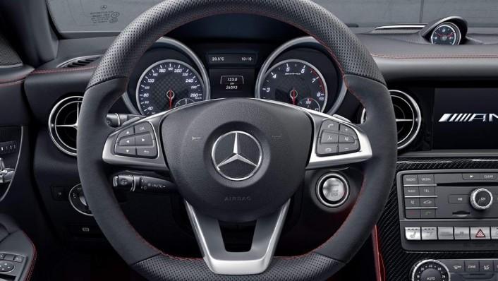 Mercedes-Benz SLC (2018) Interior 003