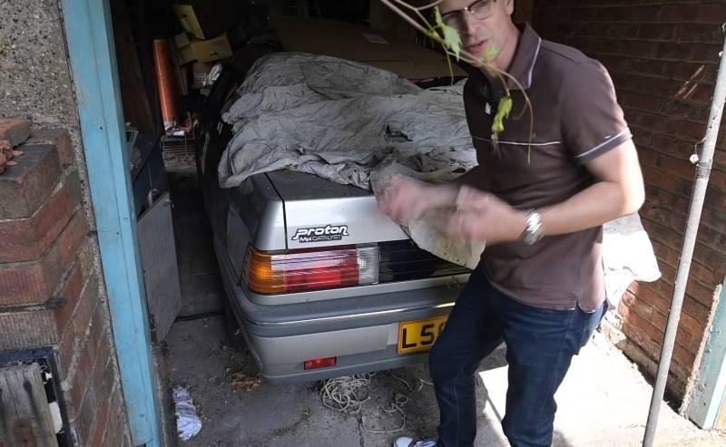 Immaculate 1993 Proton Saga found in British garage. Only clocked 16k km! 02