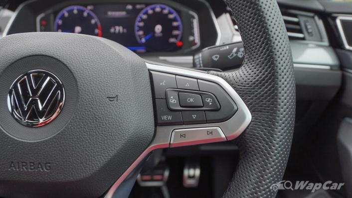 2020 Volkswagen Passat 2.0TSI R-Line Interior 004