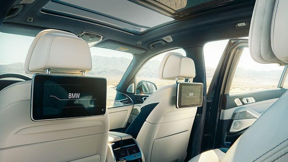 BMW X7 (2019) Interior 011
