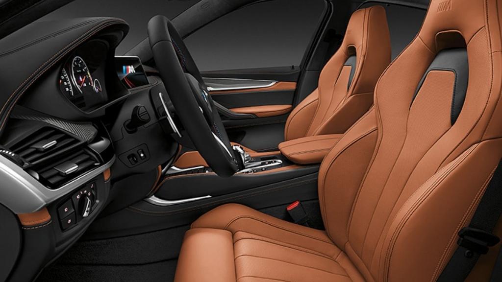 BMW X6 M (2019) Interior 005