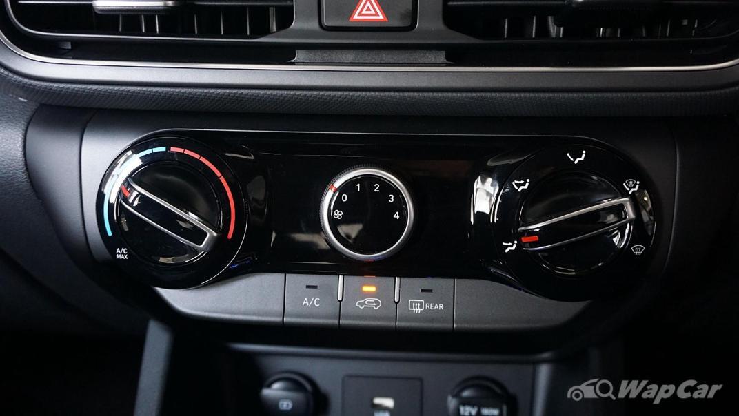 2021 Hyundai Kona 2.0 Standard Interior 028