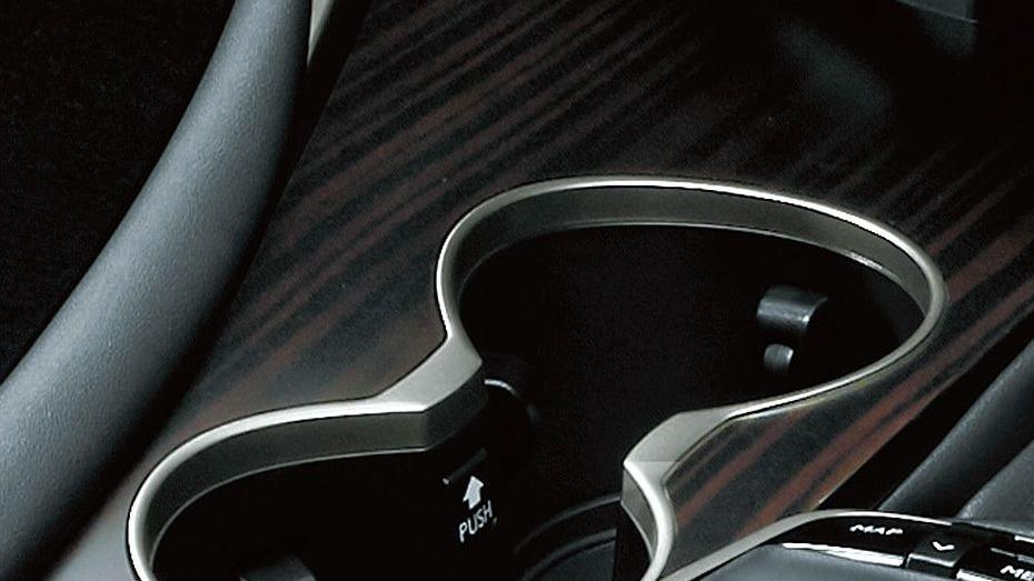 Lexus RX (2018) Interior 002