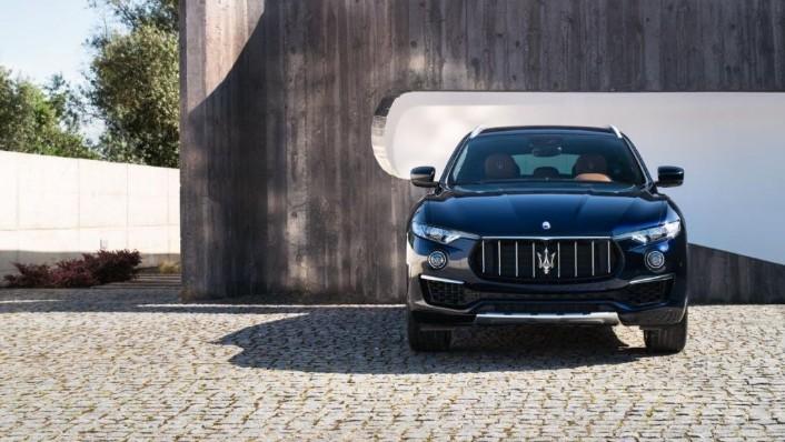 Maserati Levante (2019) Exterior 002