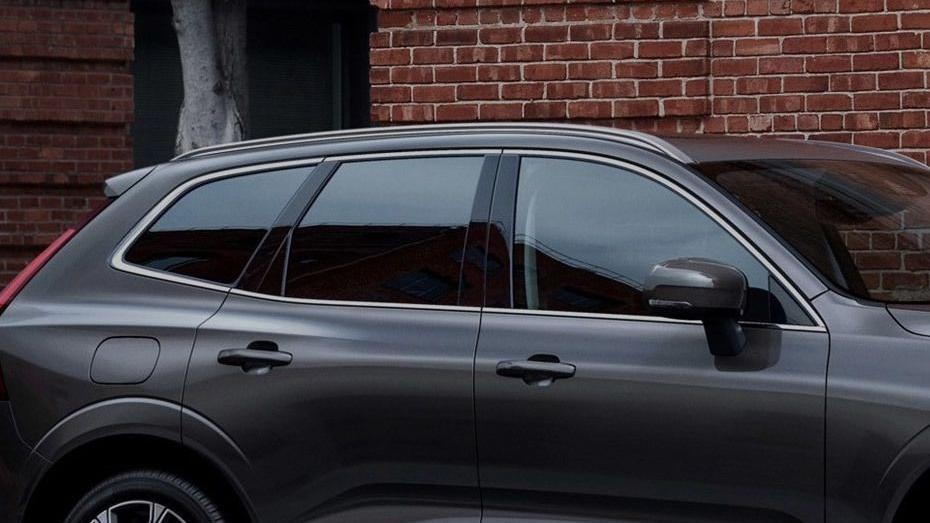 Volvo XC60 (2018) Exterior 011