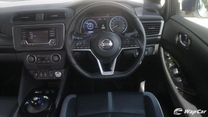 2019 Nissan Leaf Interior 003