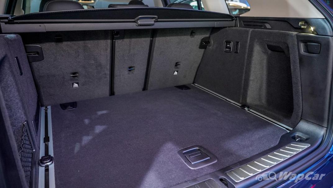2021 BMW X3 sDrive20i Interior 010