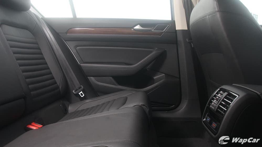 2018 Volkswagen Passat 2.0 TSI Highline Interior 049