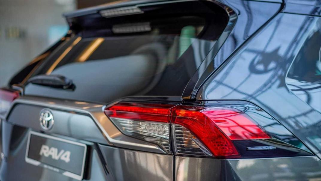 2020 Toyota RAV4 2.5L Exterior 064