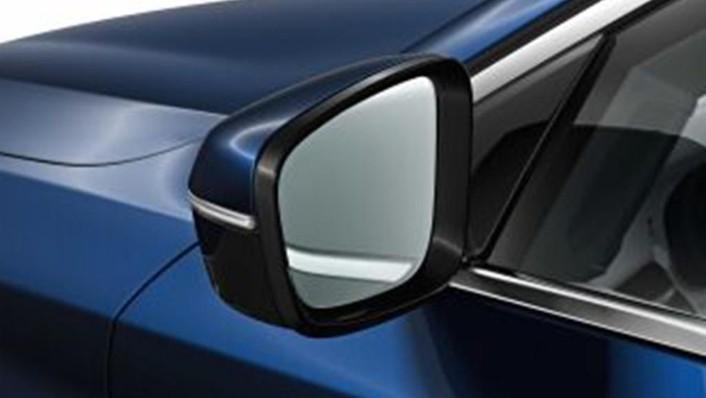 BMW 6 Series GT (2019) Exterior 010