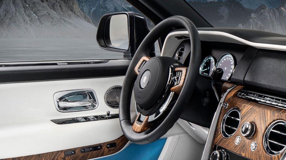 2018 Rolls-Royce Cullinan Cullinan Interior 002