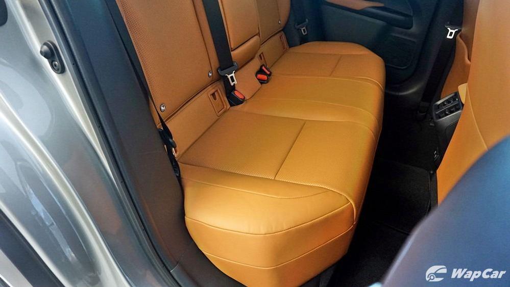 2020 Lexus UX 200 Luxury Interior 045