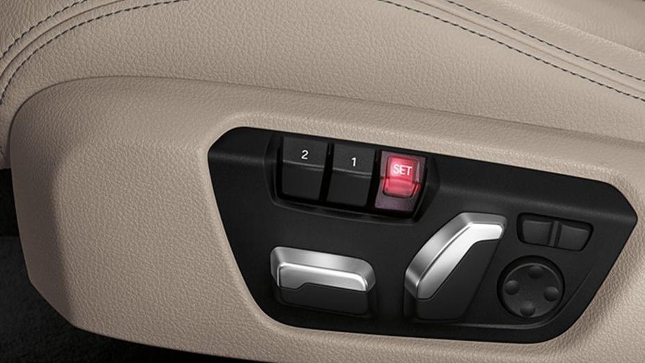BMW 3 Series (2019) Interior 013